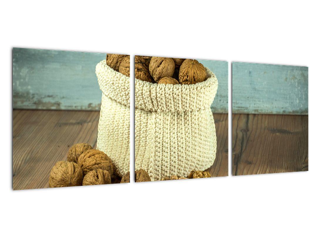 Obraz - orechy v pletenom koši