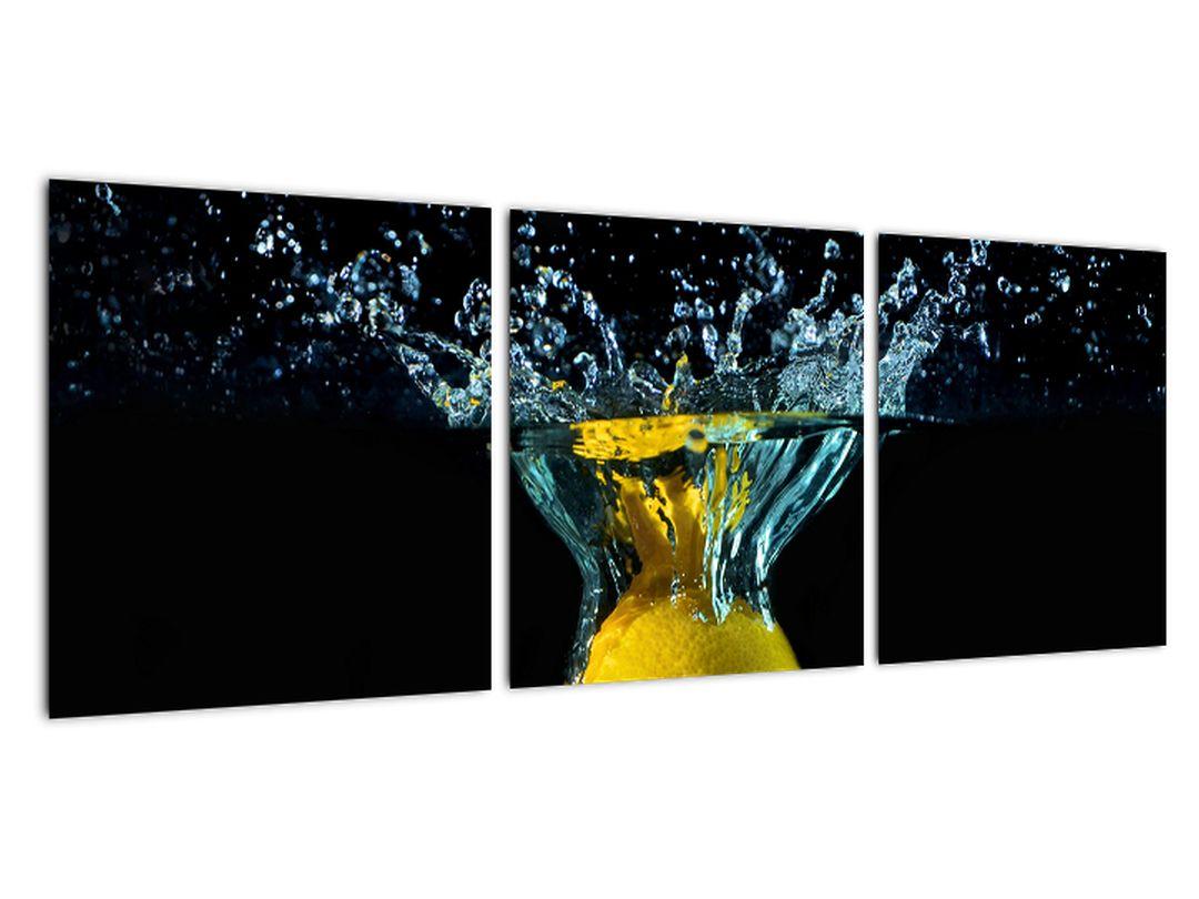 Obraz citrónu vo vode